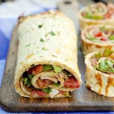 Low Carb Pizzarolle - ein schnelles und gesundes Low Carb Rezept - Low Carb Rezepte - Low carb pizza roll – a quick and healthy low carb recipe Healthy Low Carb Recipes, Healthy Snacks, Vegetarian Recipes, Healthy Pizza, Quick Recipes, Pizza Recipes, Low Carb Pizza Rolle, Menu Dieta Paleo, Law Carb