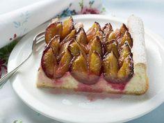Zwetschgen-Blechkuchen ist ein Rezept mit frischen Zutaten aus der Kategorie Blechkuchen. Probieren Sie dieses und weitere Rezepte von EAT SMARTER!