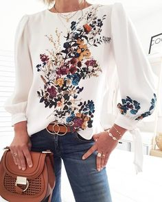 Lovely Bouquet Long Sleeve Top Style:Fashion Pattern Type:Floral Material:Polyester Neckline:Round Neck Sleeve Style:Long Sleeve Length:Regular Occasion:Casual Package Blouse Note: There might be difference accord… Trend Fashion, Fashion Prints, Fashion Tips, Style Fashion, Fall Fashion, Fashion Hacks, Ladies Fashion, Hijab Fashion, Fashion Outfits