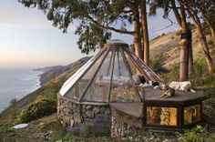 Mickey Muennig, Greenhouse, Big Sur, California, organic design, nature, round houses, glass roof, natural materials, sustainable materials, Pacific Ocean, green design, sustainable design, eco-design, Mickey Muennig, California