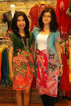 how to wear a sarong kebaya