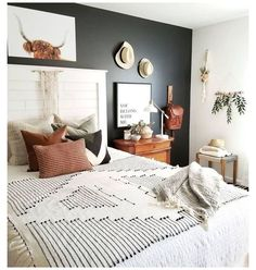 Modern Farmhouse Bedroom, Modern Bedroom, Farmhouse Decor, Modern Bedding, Farmhouse Ideas, Home Decor Bedroom, Bedroom Wall, Bedroom Ideas, Bedroom Plants