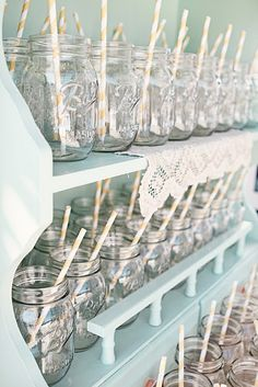 i will serve drinks in mason jars at my wedding :)