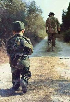 My proud Pak army Military Family Photos, Military Couples, Military Love, Army Love Quotes, Indian Army Quotes, Indian Army Special Forces, Army Photography, Portraits For Kids, Indian Freedom Fighters