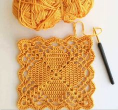 Transcendent Crochet a Solid Granny Square Ideas. Inconceivable Crochet a Solid Granny Square Ideas. Crochet Motifs, Crochet Blocks, Granny Square Crochet Pattern, Crochet Stitches Patterns, Crochet Squares, Crochet Granny, Filet Crochet, Crochet Designs, Knitting Patterns