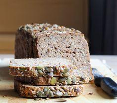 Tanskassa ruisleipä on tiivis ja jykevä, siemenillä ja jyvillä ryyditetty, hapanjuureen tehty vuokaleipä. Siitä saa tehtyä ihan pa...