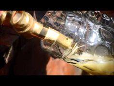 Mais um registro exclusivo feito pelo nosso sommelier, Rene Aduan Jr., durante suas andanças pela Oktoberfest em Munique! Imagina uma torneira dessas em casa, hein? (e dá pra sacar porque as canecas são de vidro tão grosso!)
