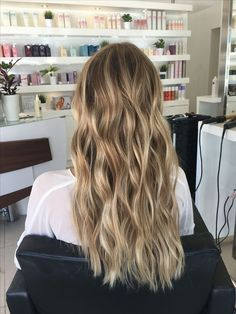12 Most Stunning Brown Ombré Hair Ideas of 2019 - Style My Hairs Blonde Hair Looks, Brown Blonde Hair, Brunette Hair, Dark Hair, Ice Blonde, Blonde Honey, Dyed Blonde Hair, Long Brunette, Brunette Color