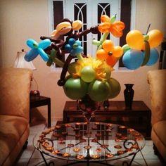 Centro de mesa de globos de monito