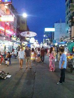 תאילנד בנגקוק ריקודי רחוב קוואסאן bangkok Dance night Khaosan Road