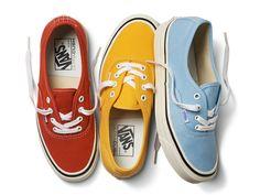 Criada em 1966, na Califórnia, a Vans era apenas uma loja de 38m² com uma fábrica nos fundos vendendo uma modesta linha de tênis feitos em lona. A nova coleção feminina, chamada Anaheim Factory Pac…