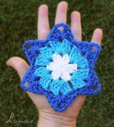 Lanas Hilos: GRANNY STAR (Graphic Pattern) / ESTRELLA DE LA ABUELITA. Written pattern here: http://www.petalstopicots.com/2012/12/granny-star-pattern/