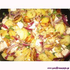 Nikolausines Kartoffel-Feta-Pfanne mit Frühlingszwiebeln Dazu passen Gurken- oder Tomatensalat besonders gut.
