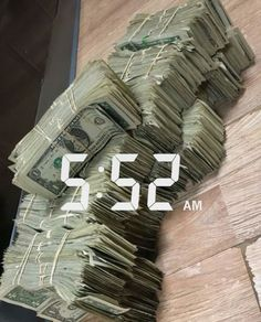 Money flows effortlessly with abundance to me Mo Money, How To Get Money, Cash Money, Jackpot Winners, Money On My Mind, Money Stacks, Saving Money, Photos, Cool Stuff