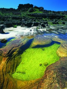 Photography of places to see around the world. Places Around The World, Oh The Places You'll Go, Places To Travel, Places To Visit, Around The Worlds, Monte Roraima, Venezuela Beaches, Beautiful World, Beautiful Places