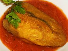 Chiles Rellenos — poblano chiles stuffed with cheese and served with tomato sauce — a Mexican classic Mexikanisches Essen Rezepte aus Mexiko Mexican Cooking, Mexican Food Recipes, Vegetarian Recipes, Cooking Recipes, Healthy Recipes, Ethnic Recipes, Easy Recipes, Pescatarian Recipes, Cooking Ideas
