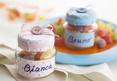 Que tal confeccionar uma lembrancinha fácil, versátil e barata para entregar, aos convidados, no batizado ou na festa do seu bebê? O melhor...