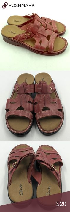 e5105e9ca Clarks Women s Leather Slide On Sandals 8 8M  85 Very nice pair of Clarks  leather slide
