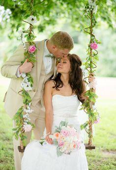 Ideas for wedding barn diy brides Wedding Swing, Dream Wedding, Wedding Gallery, Wedding Photos, Italian Wedding Venues, Maila, Jimmy, Civil Wedding, Love Is In The Air