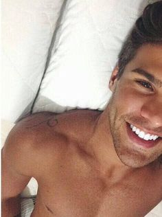 Does anyone know his name?   #hot #boy #guy #brownhair #bed