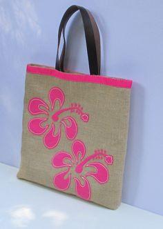 Hibiscus beach tote bag handmade jute tote handbag by Apopsis Summer Tote Bags, Beach Tote Bags, Tropical Flowers, Exotic Flowers, Tote Bags Handmade, Flower Bag, Hand Applique, Jute Bags, Hawaiian Print