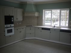 We recycle this 25 year old Kitchen transformation, spray painted !