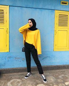 Casual Hijab Outfit, Ootd Hijab, Girl Hijab, Muslim Fashion, Hijab Fashion, Fashion Outfits, Ulzzang Fashion, Korean Fashion, Classy Outfits