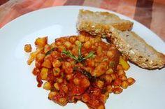 Katčina báječná kuchyně: Báječná pikantní cizrna s grilovanou zeleninou Polenta, Chana Masala, Food And Drink, Snacks, Meals, Vegan, Cooking, Ethnic Recipes, Fitness