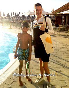 Työpäivänsä ohessa oppaamme Riina yllätti synttäreitään Gran Canarialla juhlivan Benjaminin snorklaustarvikkeilla. Holiday is where the heart is! www.tjareborg.fi/matkaopas