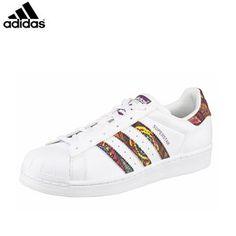 Adidas Superstars sneakers dames  Stoere dames sneakers van het bekende sport…
