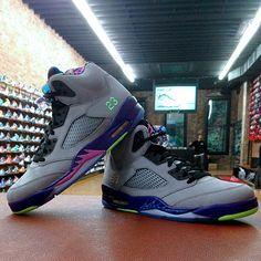 Jordan 5 Retro.