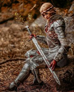 Saskia from The Witcher 2 cosplay by NikkiStu photo by Kuprianow Armadura Medieval, Female Armor, Female Knight, Cosplay Armor, Cosplay Costumes, Female Cosplay, The Witcher, Larp, Fantasy Characters