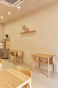 Cafe Shop Design, Coffee Shop Interior Design, Store Design, Korean Cafe, Chef Logo, Future Shop, Diy Outdoor Furniture, Waiting, Room