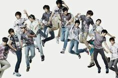 """2008-2009: SORRY SORRY E O SUCESSO GLOBAL  Em 2 de Outubro de 2007, o empresário e a gravadora do grupo anunciaram oficialmente um terceiro sub-grupo do Super Junior, o Super Junior-M, um sub-grupo designado para o mercado chinês. O Super Junior-M debutou na China no dia 8 de Abril de 2008 no 8th Annual Music Chart Awards e com o lançamento de seu primeiro videoclipe, """"U"""". A publicação do novo sub-grupo criou uma polêmica entre fãs e a companhia: os fãs não apoiavam a companhia por adicionar…"""