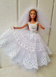 Crochet Barbie Patterns, Crochet Baby Dress Pattern, Crochet Doll Dress, Barbie Clothes Patterns, Baby Dress Patterns, Crochet Doll Clothes, Barbie Wedding Dress, Barbie Gowns, Barbie Dress