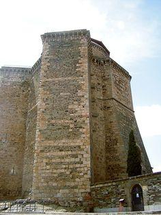 Os invitamos a pasear por el Castillo de los duques de Alba, en Alba de Tormes. #historia #turismo  http://www.rutasconhistoria.es/loc/castillo-de-los-duques-de-alba