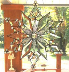 This spectacular modern, stained glass Star of Today Suncatcher captures light and color with its reflective beveled glass. Large and stunning it Stained Glass Church, Stained Glass Ornaments, Stained Glass Christmas, Stained Glass Projects, Stained Glass Patterns, Stained Glass Art, Stained Glass Windows, Beveled Glass, Mosaic Glass
