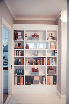 IKEA hack build in Billy bookshelf