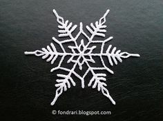 Double Star Snowflake - free crochet pattern in English and Icelandic by Ólöf Lilja Eyþórsdóttir / Föndrari af lífi og sál