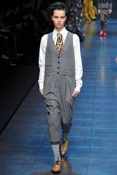 Dolce & Gabbana Fall 2011 Ready-to-Wear Fashion Show - Egle Tvirbutaite