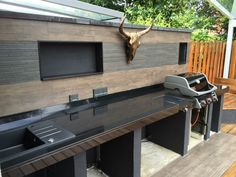 Best Ideas Outdoor Kitchen Designs - Best Home Ideas and Inspiration Outdoor Bbq Kitchen, Outdoor Kitchen Design, Outside Living, Outdoor Living, Diy Pool, Young House Love, Built In Grill, Summer Kitchen, Backyard Projects