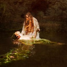 Brooke Shaden - reinvention of Ophelia