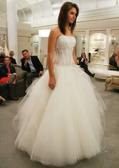 Featured Dresses, Season 8 Part 6: Say Yes to ... Love the corset