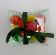 cajas-regalo-realizadas-con-botellas-de-plastico-recicladas. Rosa Montesa. RecicladoCreativo