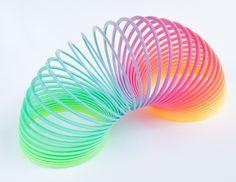 Molas coloridas | 60 brinquedos dos anos 80 e 90 que farão você querer inventar uma máquina do tempo