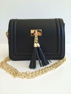 www.pretty-things.ch Shoulder Bag, Pretty, Bags, Fashion, Handbags, Moda, Totes, Fasion, Lv Bags