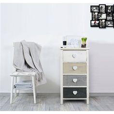 Mobiletto shabby chic con raffinati pomelli a forma di cuore. Il piacere di una casa dai toni naturali e romantici con la linea REBECCA ROMANTICA.   #shabby #chic #furniture #home #house #design #interior #interiors #restyling #style #makeover #vintage #retro #white #wood #beige #grey #tutorial #idea #ideas #diy #black #friday #blackfriday #cyber #monday #cybermonday #sale #sales #sconti #mobili #arredamento #mobiletto #mobiletti #living #room #bedroom