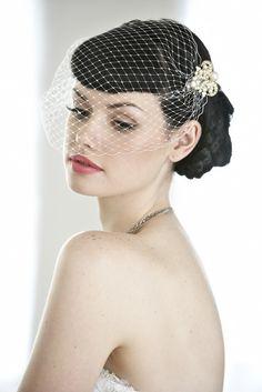 Wedding Makeup Birdcage Veil (Source: d30opm7hsgivgh.cloudfront.net)