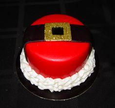 santa's belt cake   http://www.facebook.com/I.Love.Cuteology.Cakes