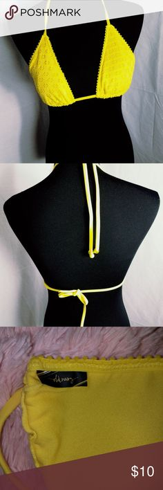 Old Navy Size Small Yellow Bikini Top Bikini for the summer is a must.  A yellow old navy Bikini Top made for style and comfort for a nice day at the beach! Old Navy Swim Bikinis
